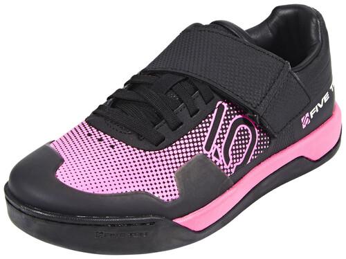 Cinq Chaussures Gris Avec Fermeture Velcro Pour Les Femmes AfhOHW5Fem